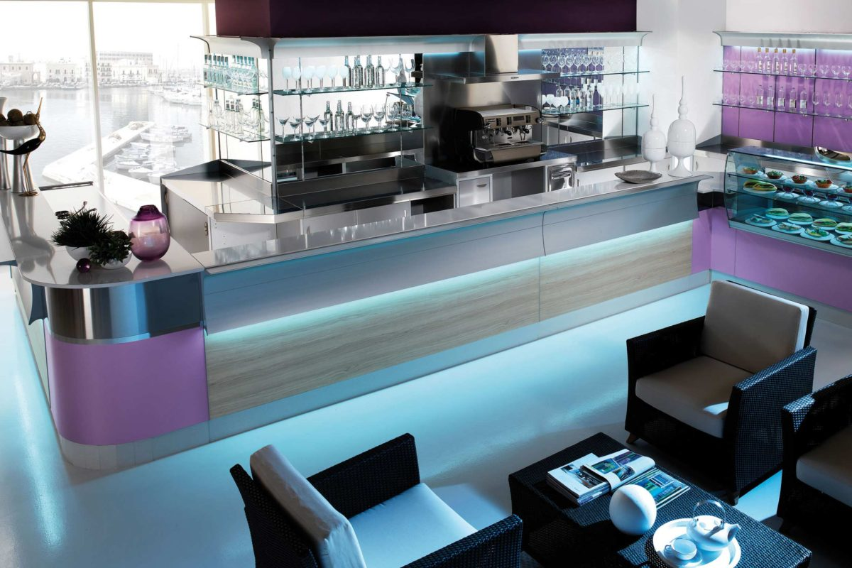 Arredo bikini arredamento per bar artic for Artic arredo bar